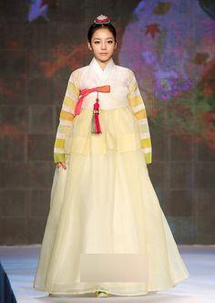 Koo Ha ra-kara,  hanbok korean. 4.jpg