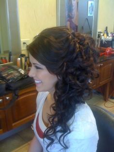 curly hair swept to one side love it! Must ask my hair stylist to do this for my wedding <3 Gotta grow it out more first!