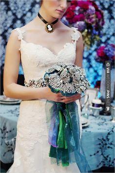 brooch wedding bouquet | VIA #WEDDINGPINS.NET