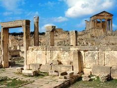 Dougga is een Romeinse site ten zuidoosten van Tunis die je heel wat bijleert over het dagelijks leven in de oudheid.