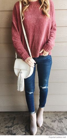 Nice autumn look, red sweater, jeans and nude details
