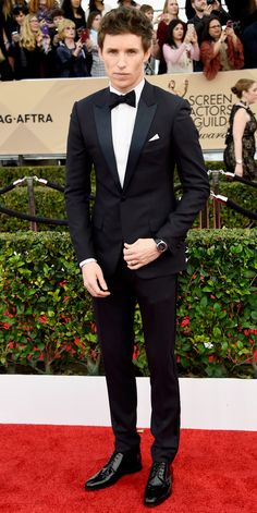 2016 SAG Awards Red Carpet Arrivals - Eddie Redmayne  - from InStyle.com