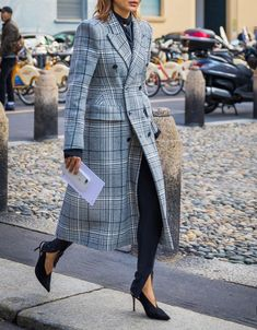 On a tight budget? Don't worry—these 11 style tips will help your wardrobe look chic on a dime.