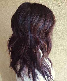 Wavy Brunette Hairstyle