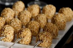 Συνταγές για μικρά και για.....μεγάλα παιδιά: Πεντανόστιμα μπαλάκια φέτας με ρίγανη και σουσάμι!