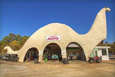 Harold's Auto, Spring Hill, Florida. Yep, we have a thing for Dinos here! Yet another photo snap location in town. What's yours look like? #pinkladyofrealestate