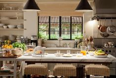 It's Complicated Movie-kitchen with stone island.I loved this kitchen! Beautiful Kitchens, Cool Kitchens, Beautiful Homes, House Beautiful, Ikea Kitchens, Küchen Design, Layout Design, House Design, Design Styles