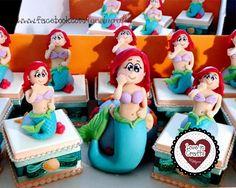 Lembrancinha de Aniversário em Biscuit.  #littlemermaid #pequenasereia #biscuit #porcelanafria #partyfavors #lembrancinha