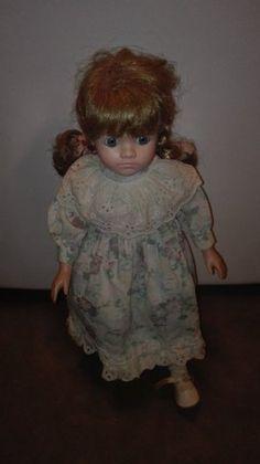 Krásná panenka porcelánová krásné rozepínací šaty výška 44 c - 1