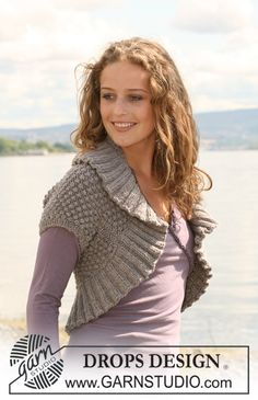 "Knitted DROPS bolero in berry pattern and rib in ""Alaska"". Size S-XXXL. ~ DROPS Design"