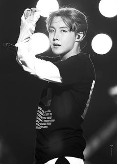 Jhope♡ *Squeeeeaaaals* this is serious Gwangju, Jung Hoseok, Bts Bangtan Boy, Bts Boys, Jhope Bts, K Pop, Bts Memes, Namjoon, Taehyung