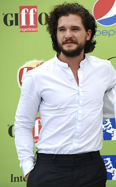 The one and only Kit Harington — casaharington: Kit Harington - Giffoni Experience. Kit And Emilia, Suit Fashion, Mens Fashion, Kit Harrington, Indian Men Fashion, Fantasy Men, Hello Sweetie, Indian Man, Khaleesi