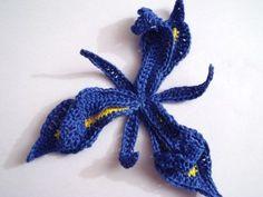 Iris Flower Crochet Pattern {365 Crochet Flower Bouquet Project}