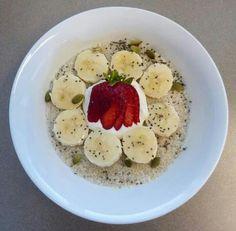 Quinoa Porridge Quinoa Porridge, Oatmeal, Breakfast, Food, The Oatmeal, Morning Coffee, Rolled Oats, Essen, Eten