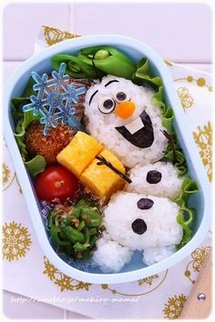 Olaf bento box made with Sushi Kawaii Bento, Comida Disney, Disney Food, Disney Inspired Food, Cute Food, Good Food, Yummy Food, Kreative Snacks, Food Art For Kids