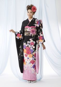 If I ever go to Japan I would like to wear a furisode, or at least an edo komon.