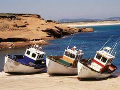 Bateaux de pêche, Îles-de-la-Madeleine, Province Du Canada, Tiny Boat, Costa, Voyager Loin, Prince Edward Island, Quebec City, Small Boats, Fishing Boats, Kayaking