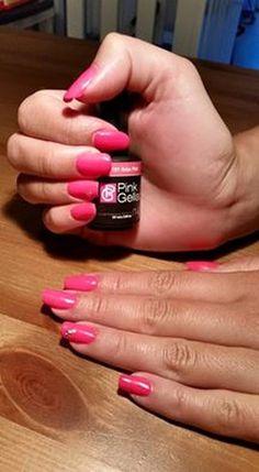 Pink Beauty Club shared Tamara Hersevoort's photo. Vriendinnetje weer blij gemaakt met Ibiza Pink! En steentjes...