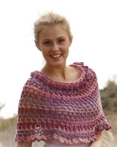 Ponchos & Shawls - Free knitting patterns and crochet patterns by DROPS Design Poncho Au Crochet, Pull Crochet, Crochet Cape, Crochet Shawls And Wraps, Love Crochet, Crochet Scarves, Crochet Clothes, Lace Shawls, Wool Poncho