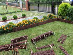 Ágyásszegély - Kosárfutár Outdoor Furniture, Outdoor Decor, Garden Bridge, Stepping Stones, Recycling, Outdoor Structures, Google, Lawn And Garden, Stair Risers