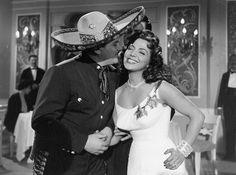 """José Alfredo Jiménez y María Victoria en """"CADA QUIEN SU MÚSICA"""" Director: Mauricio de la Serna, 1958."""