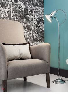 The contemporary styling along with coloured shade and cable options, make the Anglepoise Original 1227 Fixed Floor Lamp chrome version the ideal choice for modern or traditional interiors.