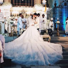 Marian Rivera and Dingdong Dantes's wedding. Dec 30/14... that dress is amazing…