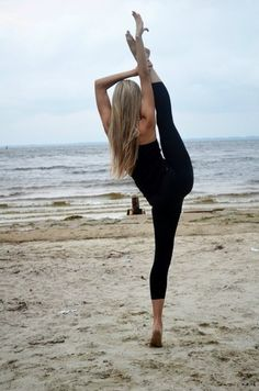 6 Yoga Poses That Help Burn Fat & Build Strength For The Ultimate Body Sport Motivation, Fitness Motivation, Exercise Motivation, Daily Motivation, Fitness Quotes, Yoga Inspiration, Fitness Inspiration, Motivation Inspiration, Yoga Fitness