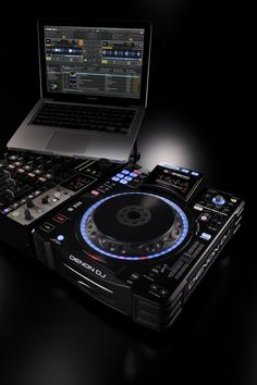 Denon DJ SC2900 Digital Controller and Media Player