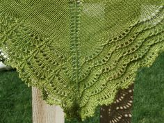 Holden Shawlette by Mindy Wilkes  free Ravelry download