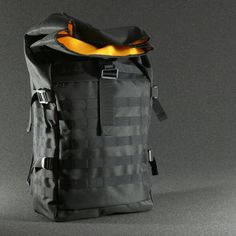 Rolltop backpack with magnetic buckle Fidlock