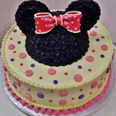 Minnie Mouse in 2-layer cake design in all buttercream w/ gumpaste bow.
