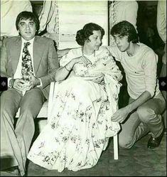 Throw back photo vintage bollywood Vintage Bollywood, Bollywood Funny, Bollywood Pictures, Bollywood Couples, Bollywood Cinema, Bollywood Wedding, Bollywood Stars, Indian Bollywood, Rare Pictures
