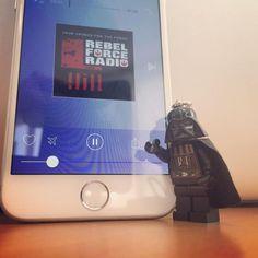 Apparemment, nous avons un nouveau fan de notre app ! Et il a trouvé sa #radio... #StarWars #DarkVador #RebelForce #application