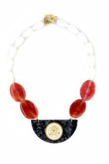 We provide high quolity handmade jewellery made with semiprecious stones. We also love to combine vintage supplies with new techniques in order to make unique designs. Wooden Necklace, Bib Necklaces, Amber Necklace, Geometric Jewelry, Medusa, Handmade Jewelry, Jewelry Making, Jewellery, Schmuck