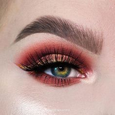 """40k Likes, 103 Comments - Tarte Cosmetics (@tartecosmetics) on Instagram: """"@kmbrlee_beyoutiful nourishes her lashes with gifted Amazonian clay smart mascara! #rethinknatural…"""""""