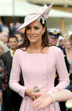 Kate attends the Queens Jubilee Garden Party yesterday...love this hat! 5/30/12