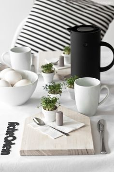 Black and white Easter Table Settings, Easter Celebration, Dinner Sets, Deco Table, Decoration Table, Happy Easter, Tableware, Interior, Inspiration