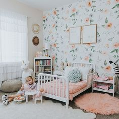 Teen Girl Bedrooms - A sweet bit of teen girl room images. For extra enjoyable teen girl bedroom decor designs simply jump to the link to study the post example 9486695910 now. Big Girl Bedrooms, Little Girl Rooms, Kids Bedroom, Bedroom Ideas, Floral Bedroom Decor, Floral Nursery, White Nursery, Girls Bedroom Wallpaper, Girl Bedroom Designs