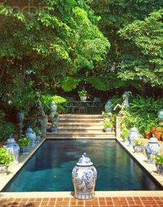 Decorating with Blue and White Outdoors- The Glam Pad