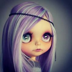 Love the pastel purple and mint hair on this Blythe Doll Fgj
