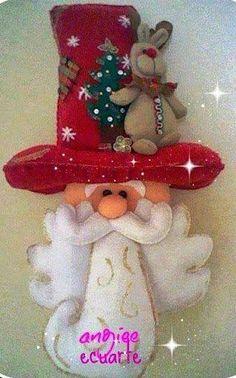 Santa barbudo con gran sombrero Christmas Hanukkah, Christmas Scenes, Christmas Art, Beautiful Christmas, Winter Christmas, Handmade Christmas, Felt Christmas Decorations, Christmas Wreaths, Christmas Ornaments