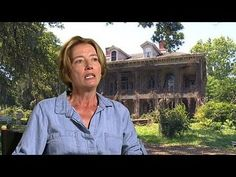 Beautiful Creatures: Emma Thompson Interview --  -- http://wtch.it/Zspy0