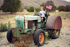 Love This Crazy Life // 4th of July inspired photos (tractor, orange grove, American flags, children)