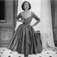 Mrs. Julien Chaqueneau, photo by Richard Avedon, Vogue October 1951 | flickr skorver1