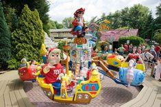 Ga omhoog en omlaag in het vliegende piraatje van Amusementspark Tivoli.