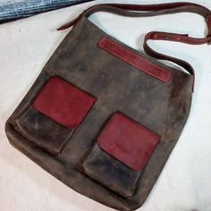 Bag of Boho style is made of leather. Simple and laconic The leather is amazing! The color is just delight! A large leather bag in the style of Boho. Ideal not only in everyday wear, but also for going to the gym. The thing in the household is clearly necessary in the store to run off or