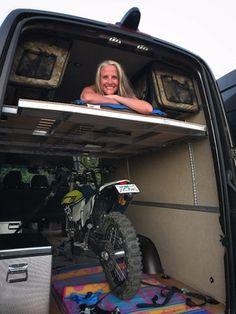 Modular camper kit turns the Sprinter into a DIY adventure van for nomadic thrill-seekers Cargo Trailer Conversion, Sprinter Van Conversion, Camper Van Conversion Diy, Van Life Blog, Custom Camper Vans, Kombi Motorhome, Mercedes Sprinter Camper, Diy Camper Trailer, Day Van