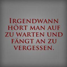 """An Dir ist ein echter Philosoph verloren gegangen, denn Du liebst es, stundenlang nachzudenken und Deine Gedanken schweifen zu lassen? """"Die Gedanken sind frei"""", sinnierte schon Widerstandskämpfer Dietrich Bonhoeffer und auch andere Dichter und Denker haben schöne Sprüche zum Nachdenken formuliert. Was gibt es Geruhsameres, als sich an einem verregneten Tag aufs Sofa zu lümmeln …"""