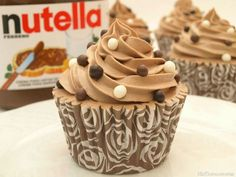 Cupcakes de Nutella - MisThermorecetas Nutella Cupcakes, Yummy Cupcakes, Cupcake Cookies, Thermomix Cupcakes, Yummy Treats, Delicious Desserts, Sweet Treats, Yummy Food, Cupcake Recipes
